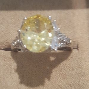 NIB Yellow Engagement Ring💍